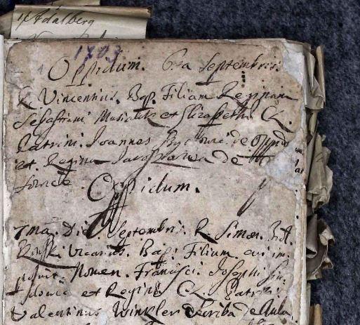 pierwsze chrzty spisane w księdze łacińskiej pochodzą z początku wieku XVIII