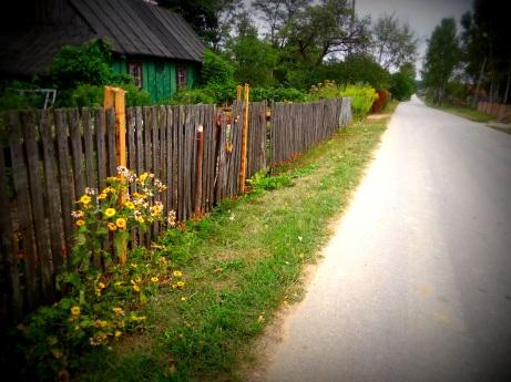 Piękno ukryte w danych zabudowaniach wsi polskiej jeden z domów w Grabownicy -zdjecie ze zbiorów własnych