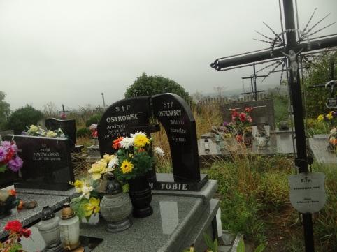 Miejsce pochówku Ostrowskich -cmentarz w Prandocinie -zdjecie wykonane we wrześniu 2015