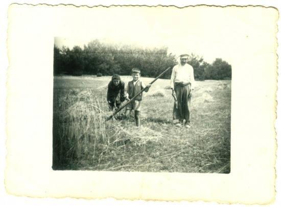 na zdjeciu Jan Wawrzoła syn Wojciecha ,któy zginął w czasie I Wojny -Jan był podobny do swojego ojca