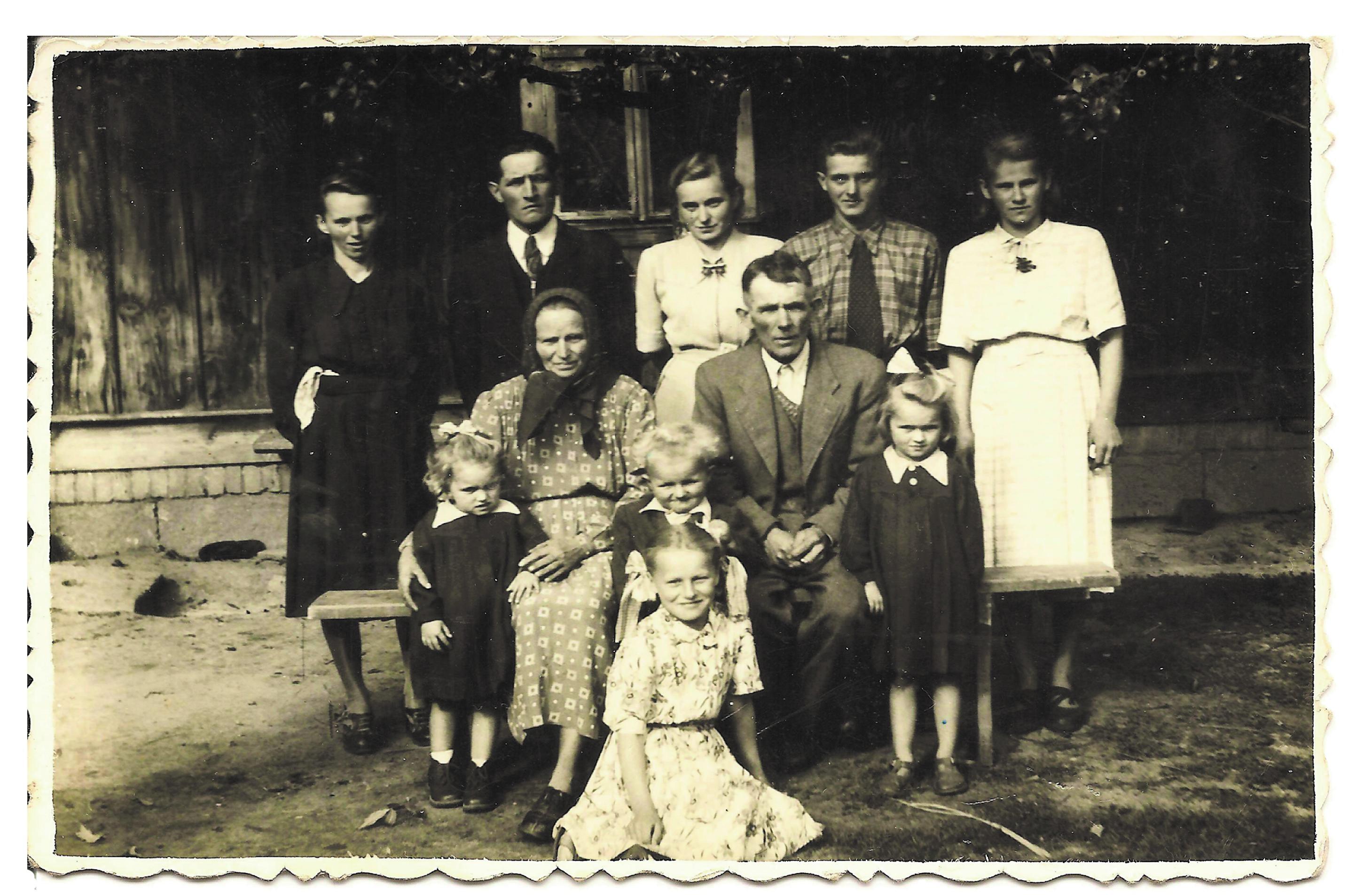 rodzinne Antoni i Stefania Jezowe kopia.jpg